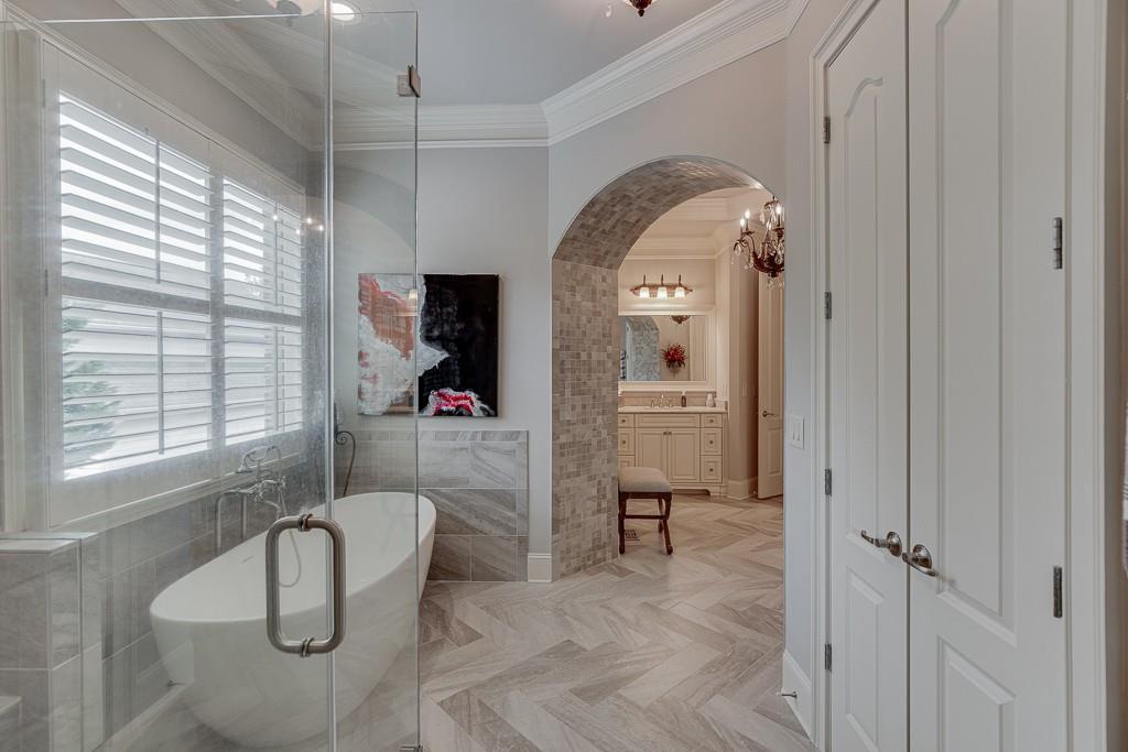 [Sold] 2560 Shumard Oak Drive ($804,900) bathroom